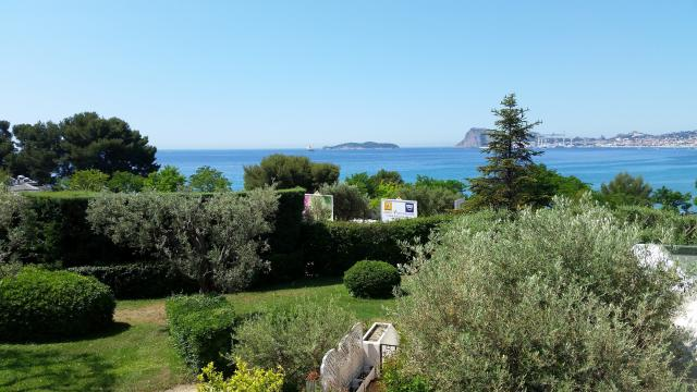 Flat in La Ciotat - Vacation, holiday rental ad # 57054 Picture #2