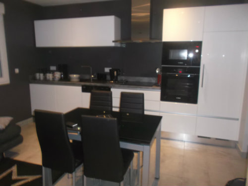 Appartement à Jullouville pour  4 •   cour   n°57237