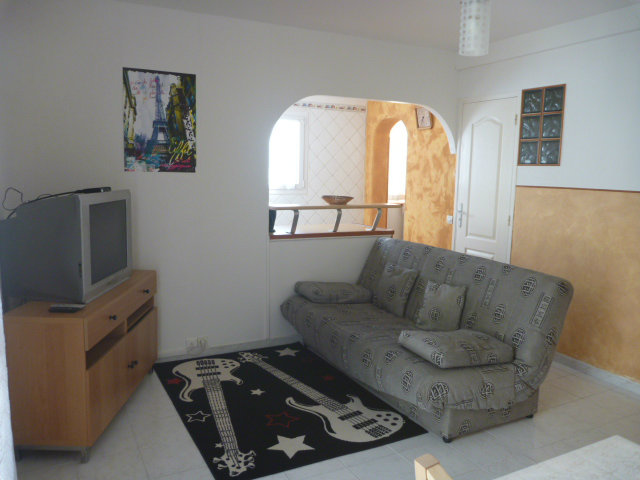 Flat in ORLY - Vacation, holiday rental ad # 57708 Picture #0