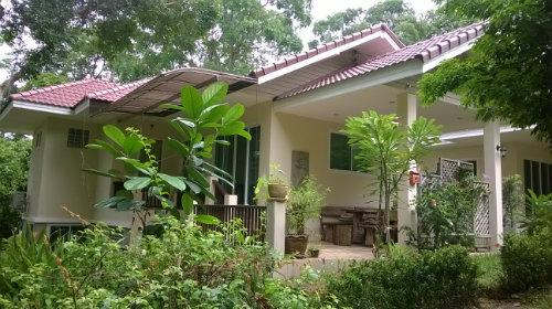 House in Wang kaew gardens for   4 •   2 bedrooms