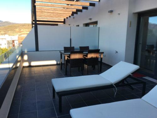 Apartamento en San pedro de alcantara para  6 •   jardín
