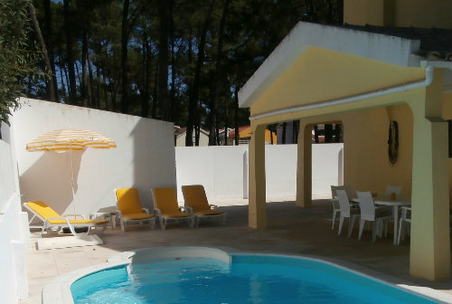 Chalet in Aroeira for   9 •   access for disabled