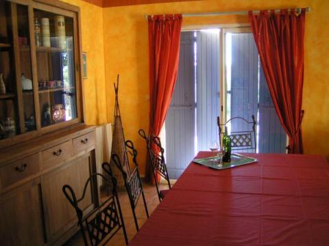 maison 30200 saint nazaire louer pour 7 personnes. Black Bedroom Furniture Sets. Home Design Ideas
