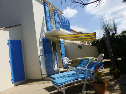 House in Brétignolles-sur-mer for   4 •   with shared pool
