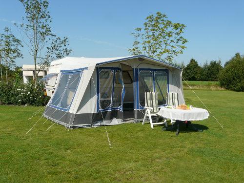 Caravan Twijzel - 4 personen - Vakantiewoning  no 59130
