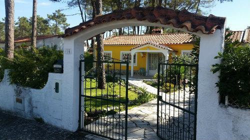 Chalet in Lagoa de albufeira für  7 •   Garten  N°59232