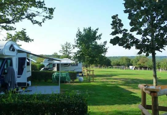 Les Salles Lavauguyon - 1 personnes - location vacances  n°59787