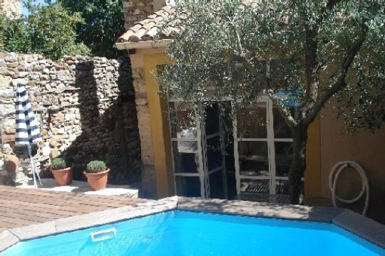 Gite in La capelle et masmolène voor  6 •   met privé zwembad