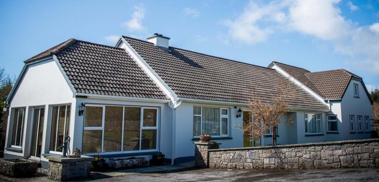 Maison à Lisdoonvarna pour  8 •   prestations luxueuses