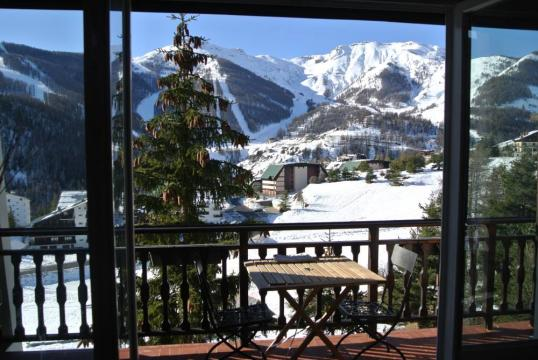 Flat in Auron - Vacation, holiday rental ad # 61225 Picture #0