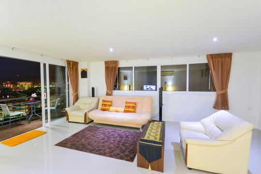 Appartement in Patong voor  10 •   met terras