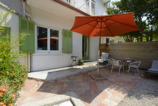 Gite in Ensues la redonne voor  4 •   met balkon   no 61301