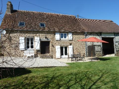 Farm in St. bomer les forges, frankrijk for   7 •   with balcony   #61468