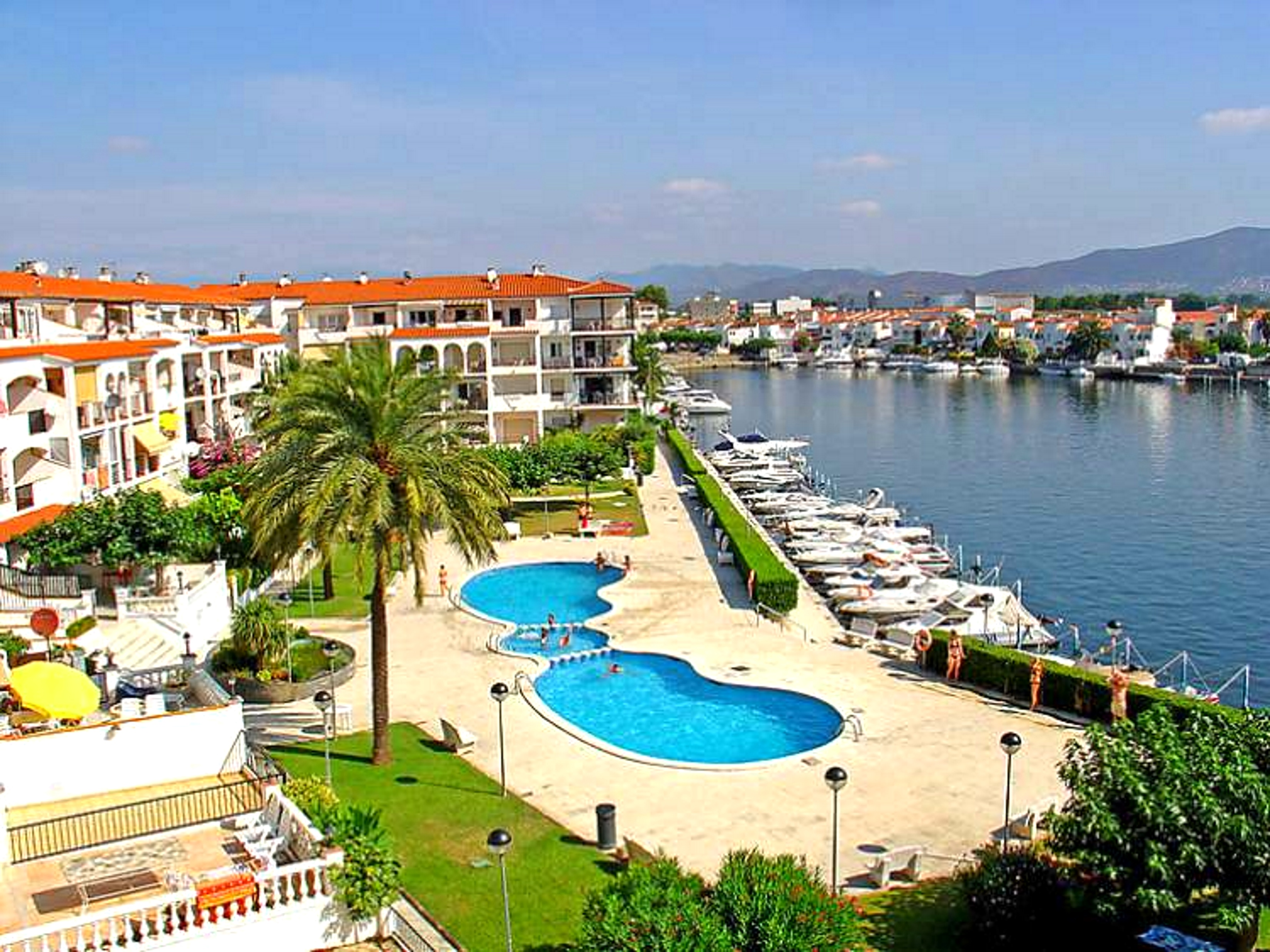 Flat Empuriabrava - 6 people - holiday home  #61473