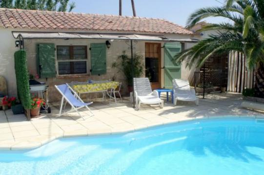 Gite in Tarascon - Vacation, holiday rental ad # 61720 Picture #0