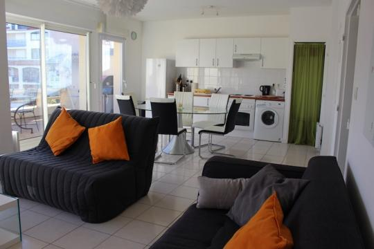 Flat in Canet-en-Roussillon - Vacation, holiday rental ad # 62203 Picture #1