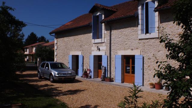 Maison Villefranche-de-lonchat - 4 personnes - location vacances  n°62255