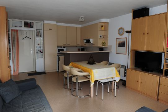 Flat in De Panne - Vacation, holiday rental ad # 62556 Picture #3
