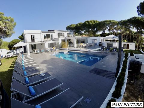 House in Marbella for   22 •   view on sea