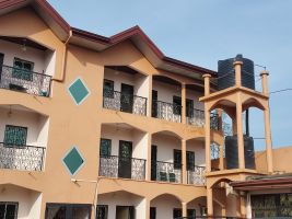Maison à Yaoundé pour  4 •   2 chambres