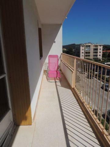 Flat in La Seyne sur - Vacation, holiday rental ad # 63078 Picture #4