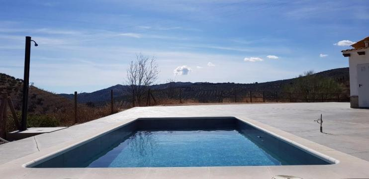 House in Colmenar for   6 •   with private pool