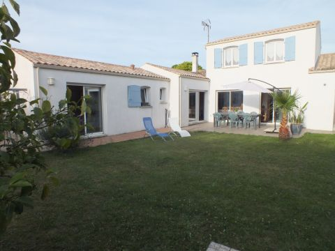 House in Dompierre sur Mer - Vacation, holiday rental ad # 63500 Picture #1