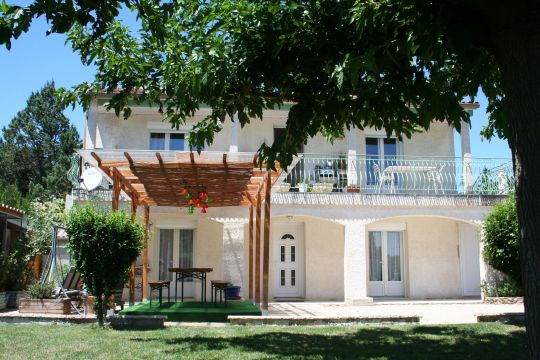 Flat in Camaret sur Aigues - Vacation, holiday rental ad # 63624 Picture #0