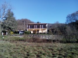 House in Barnas for   5 •   animals accepted (dog, pet...)
