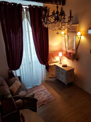 Studio in Paris - Vacation, holiday rental ad # 64349 Picture #1