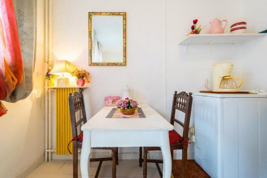Studio in paris - Vacation, holiday rental ad # 64371 Picture #6