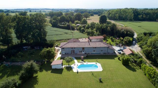 Gite in St jean sur reyssouze for   4 •   with private pool