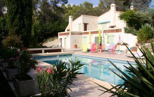 Maison Bagnols-en-forêt - 8 personnes - location vacances  n°64617
