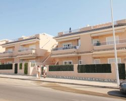 Flat in Torrevieja for   5 •   private parking   #64900