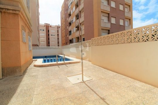 Appartement in Torrevieja - Anzeige N°  65095 Foto N°2