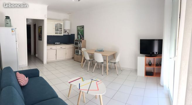 Flat in HYERES - Vacation, holiday rental ad # 65312 Picture #0