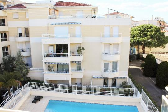 Flat in Cannes La Bocca - Vacation, holiday rental ad # 65602 Picture #3