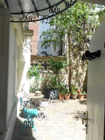 Studio in Paris - Vacation, holiday rental ad # 65781 Picture #1