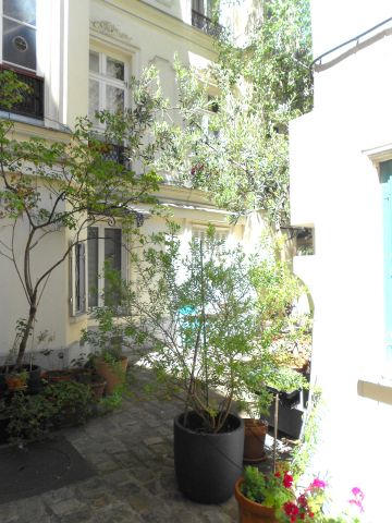 Studio in Paris - Vacation, holiday rental ad # 65781 Picture #0