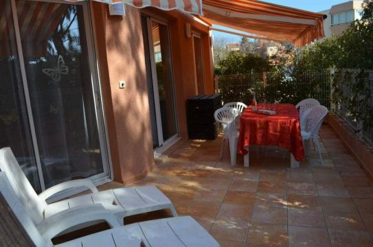 Flat in LA LONDE - Vacation, holiday rental ad # 65986 Picture #12