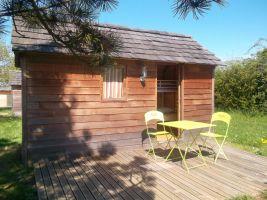 Mobil-home à St loup-lamairé pour  4 •   avec terrasse