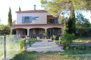 Bed and Breakfast Arles - 2 personen - Vakantiewoning  no 65628
