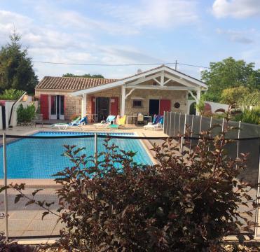 Huis Moustier - 8 personen - Vakantiewoning  no 66110