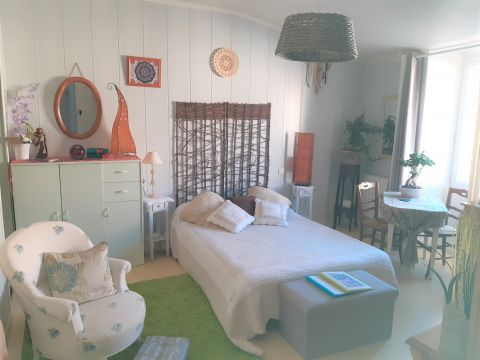 Flat in Rochefort - Vacation, holiday rental ad # 66342 Picture #0
