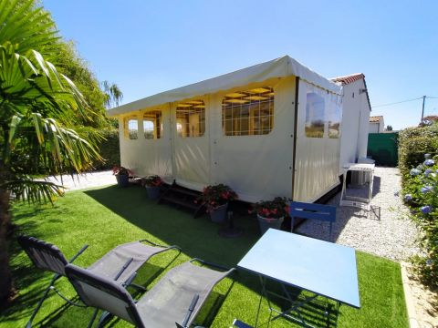 Chalet in St pierre d'oleron - Vacation, holiday rental ad # 66498 Picture #0