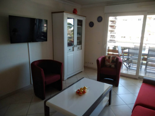 Flat in Mandelieu la Napoule - Vacation, holiday rental ad # 66936 Picture #2
