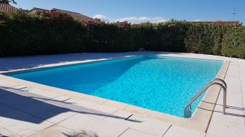 House in Villeneuve les maguelone for   4 •   private parking