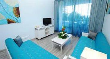Apartamento en Aeroport reina sofia tenerife para  6 •   vista al mar