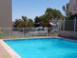 Flat in La seyne sur mer for   4 •   with private pool