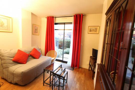 Flat in Paris - Vacation, holiday rental ad # 67835 Picture #0